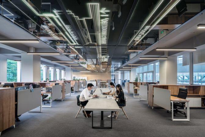 大企業オフィスの画像